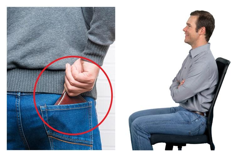 Apakah kebiasaan duduk dengan dompet mengganjal di saku celana belakang dapat menyebabkan Skoliosis?